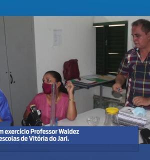 Prefeito em exercício Professor Waldez, visita Escolas de Vitória do Jari